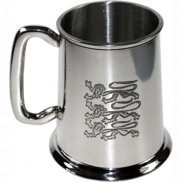 3 Lions Pewter Tankard. Constructed from English pewter by expert craftsmen. A traditional tankard including the Thee lions logo. Presented in a standard packing box. Also incorporating a rounded handle and lots of room for etching