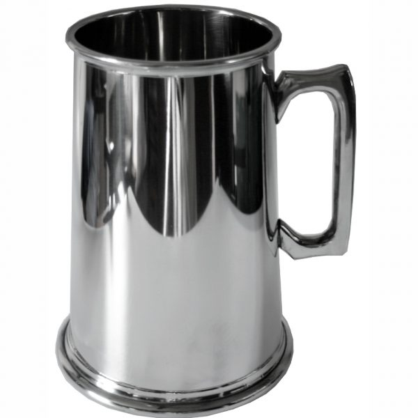 Pewter Tankard Four Pints. Constructed from English pewter by expert craftsmen. Supplied in a card packing box. Also incorporating a plain handle. Lots of room for personalised engraving