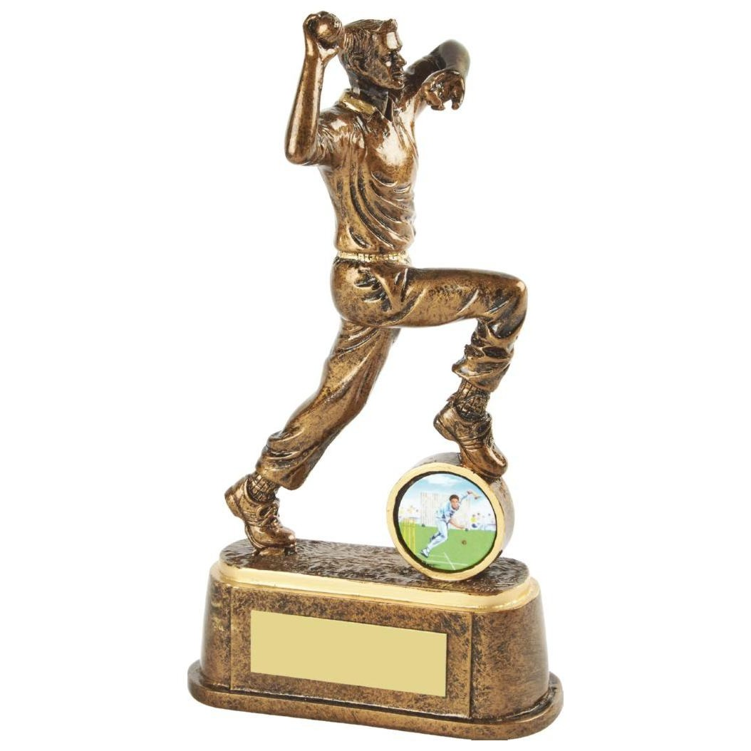 Cricket Bowler Trophy 17cms