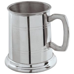 Pewter Tankard Half Pint. Constructed from English pewter by expert craftsmen. Two sets of horizontal pressed lines running around the tankard. Supplied in a packing box. Also incorporating a plain handle