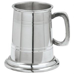 Pewter Tankard Quarter Pint. Constructed from English pewter by expert craftsmen. Two sets of horizontal pressed lines running around the tankard. Supplied in a packing box. Also incorporating a plain handle
