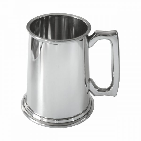 Pewter Tankard Two Pints. Constructed from English pewter by expert craftsmen. Supplied in a card packing box. Also incorporating a plain handle. Lots of room for personalised engraving.